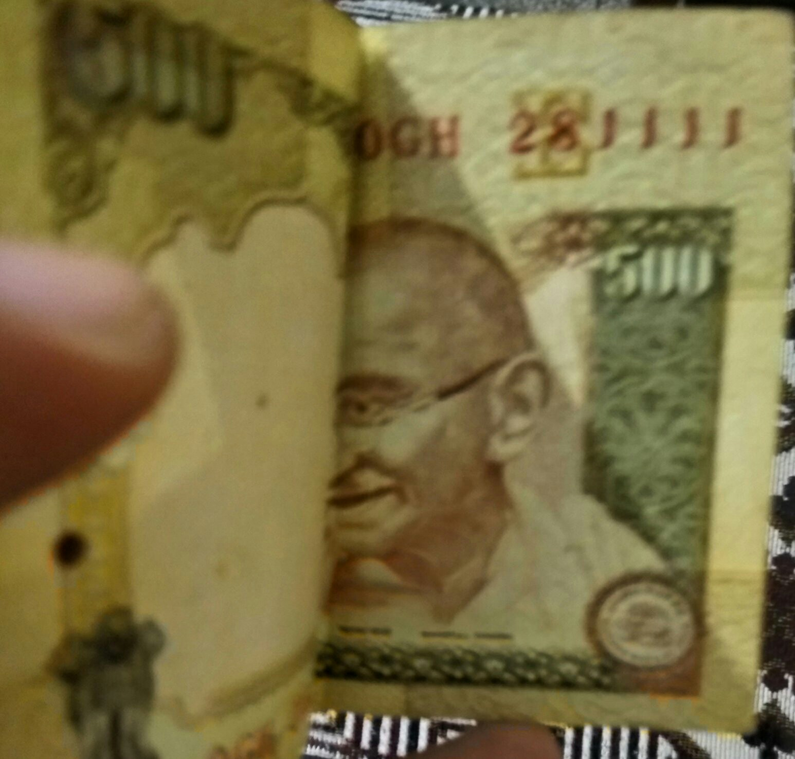 India Currency of Rs. 500 and Rs. 1000 pulled out of circulation immediately